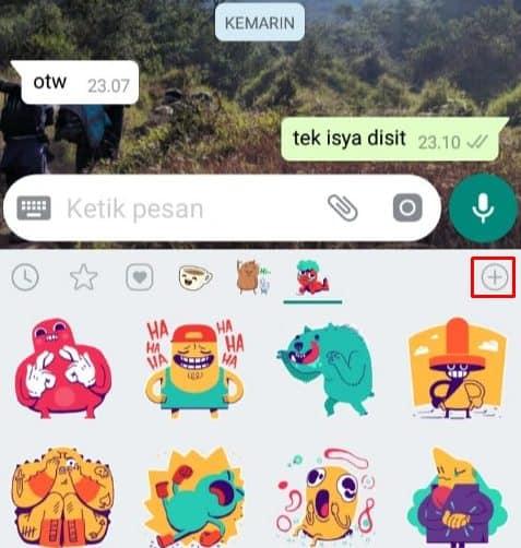 Klik tanda + pada bagian kanan stiker Whatsapp